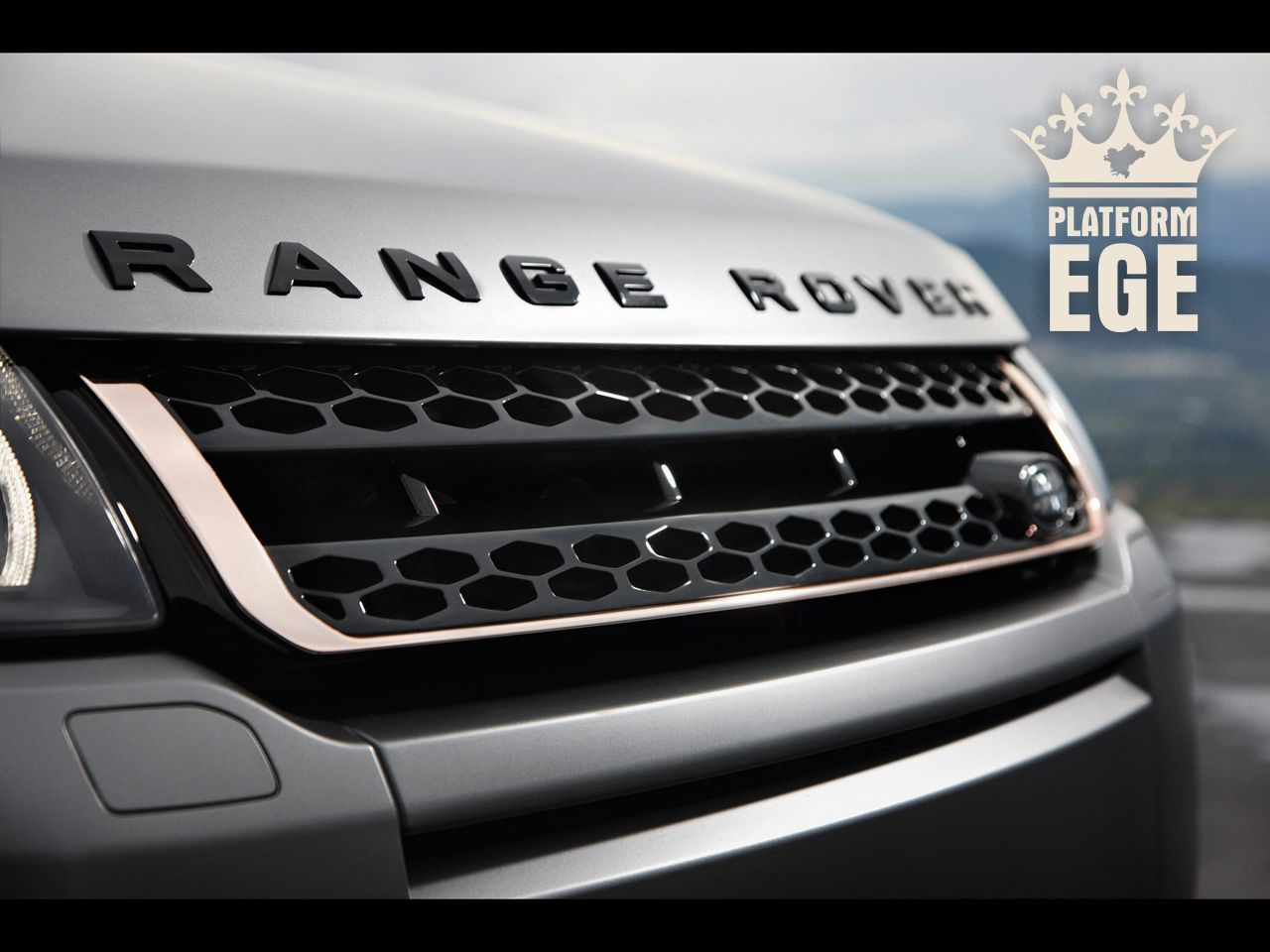 2012-Range-Rover-Evoque-Special-Edition-with-Victoria-Beckham-Front-Grille-1280x9600